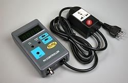 Automatický měřič a regulátor pH